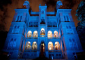 Castelo Mourisco iluminado em azul