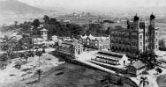 Foto história do castelo em construção e do entorno