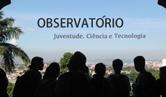 Foto de monitores em observatório