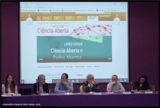 Coordenação e pesquisadores da VPEIC, membros do GT de Ciência Aberta e o português Eloy Rodrigues compuseram a mesa.