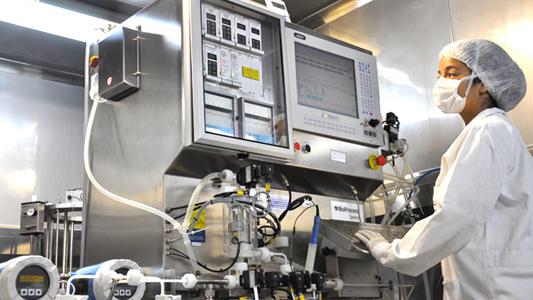 Cientista trabalhando em um laboratório