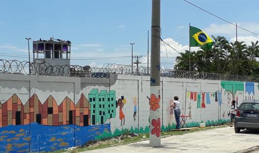 Muro sendo pintado