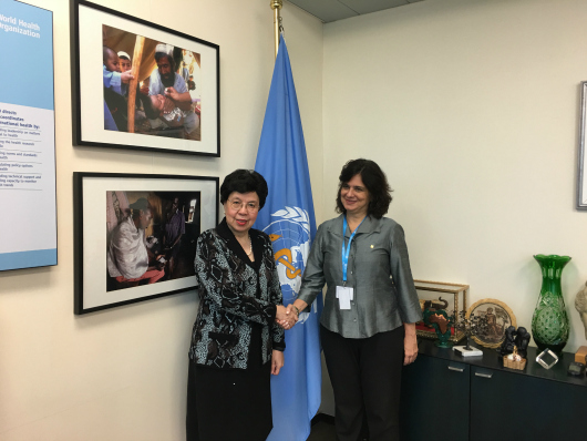 Nísia Trindade Lima meets Margaret Chan in Geneve