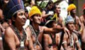 Índios munurukus reunidos