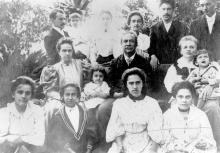 Image of Oswaldo Cruz with his family