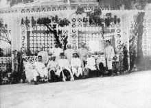 Foto de Oswaldo Cruz y otros cientistas reunidos en la Casa de Chá (Casa de Té), en el Instituto Oswaldo Cruz