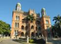 Foto da fachada do castelo da Fiocruz